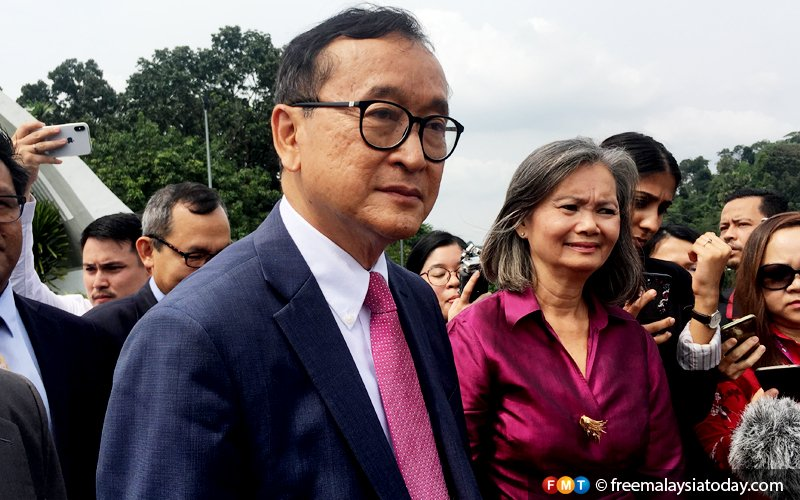Sam Rainsy says waiting for right time to return to Cambodia