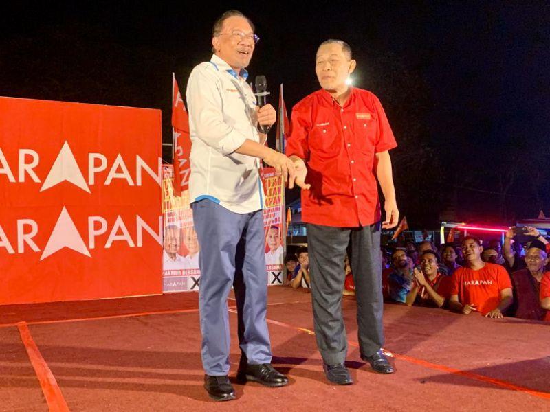 Anwar: Pakatan must work hard to retain voter support after GE14