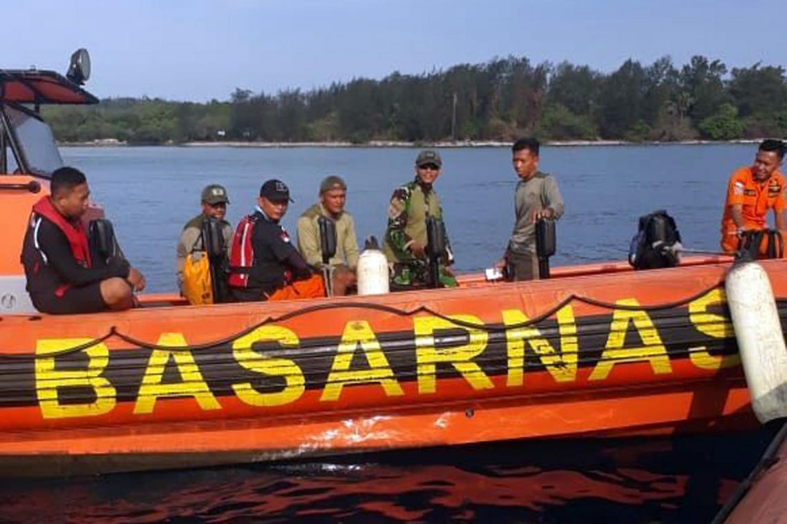 Indonesian fishermen find body of one of 3 missing divers
