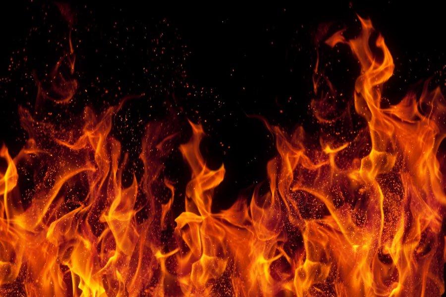 扩建房子失火 2男子烧死