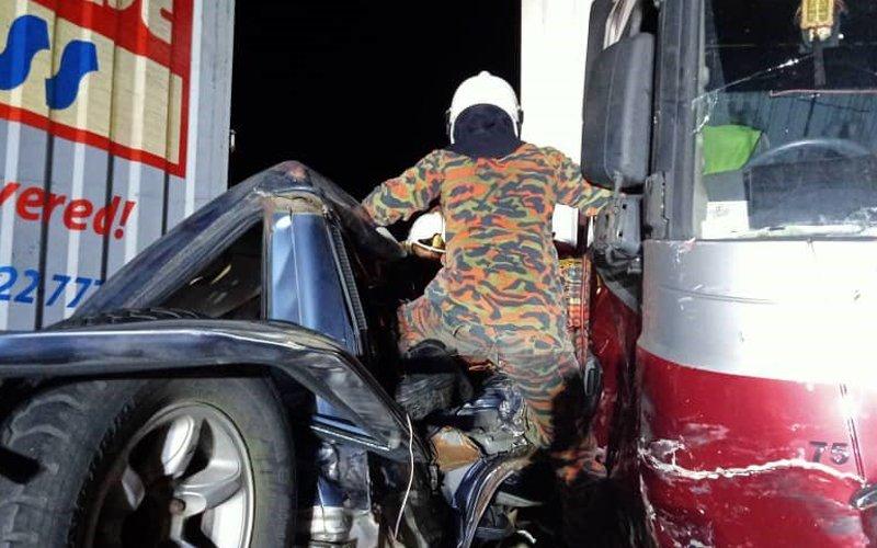 2 die in 7-vehicle highway crash near Tapah