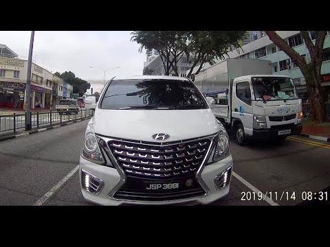 is that emergency ambulance? or police vehicle? malaysia hyundai starex #fake