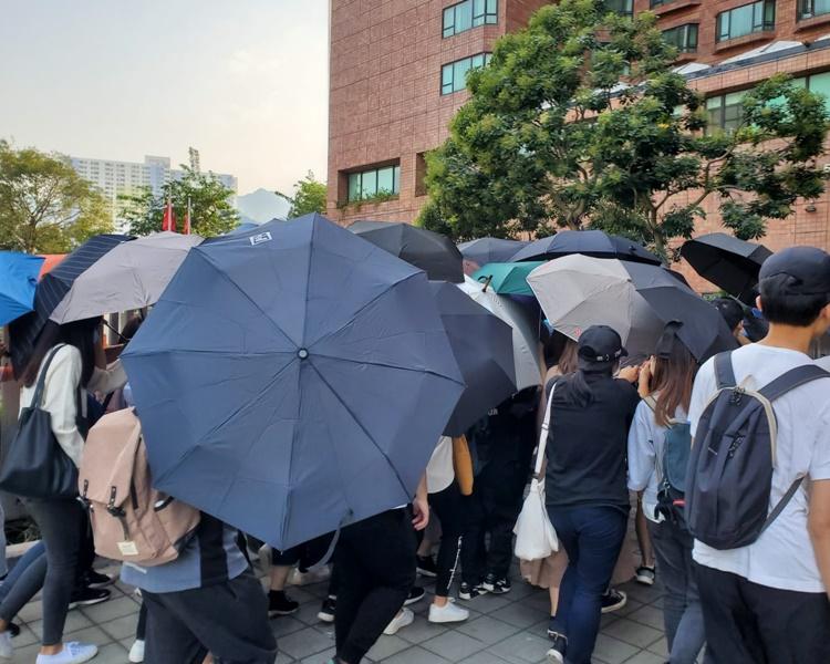 【荃湾冲突】中枪学生等7人涉暴动纵火等5罪准保释 1被告自辩官吁申法援