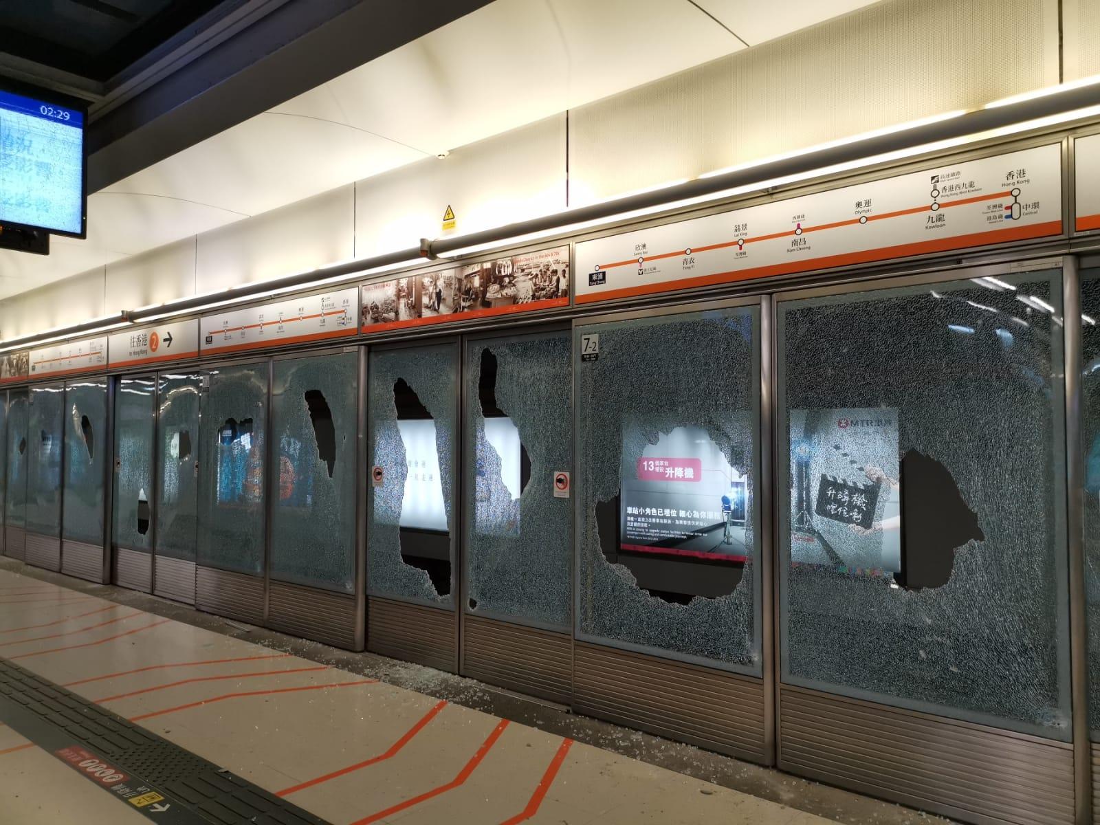 【大三罢】多个车站被破坏 港铁强烈讉责并追究责任