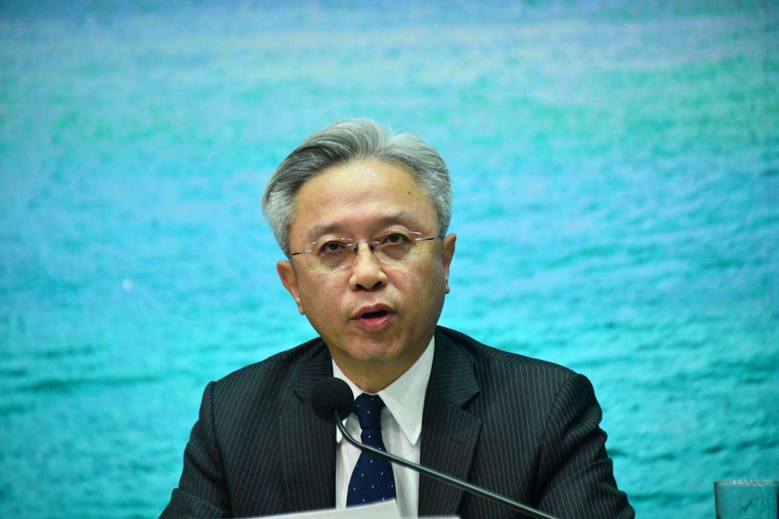 公务员被捕后即停职 罗智光:保障公众行益