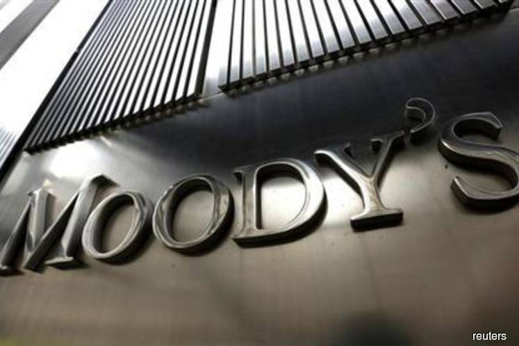 Moody's: Growing concern that recession is only a shock away