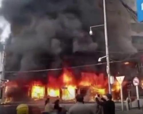 安徽蚌埠火车站附近建筑物起火 已致5死3伤多家餐厅和旅店被烧