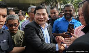 Rafizi wins court victory and 8 news from yesterday