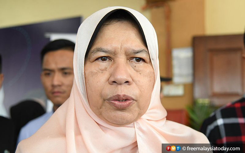As PKR spat threatens to widen, Zuraida says Anwar has power to do what he likes