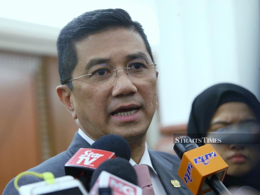 'Focus on work, stop calling for Tun M's resignation'