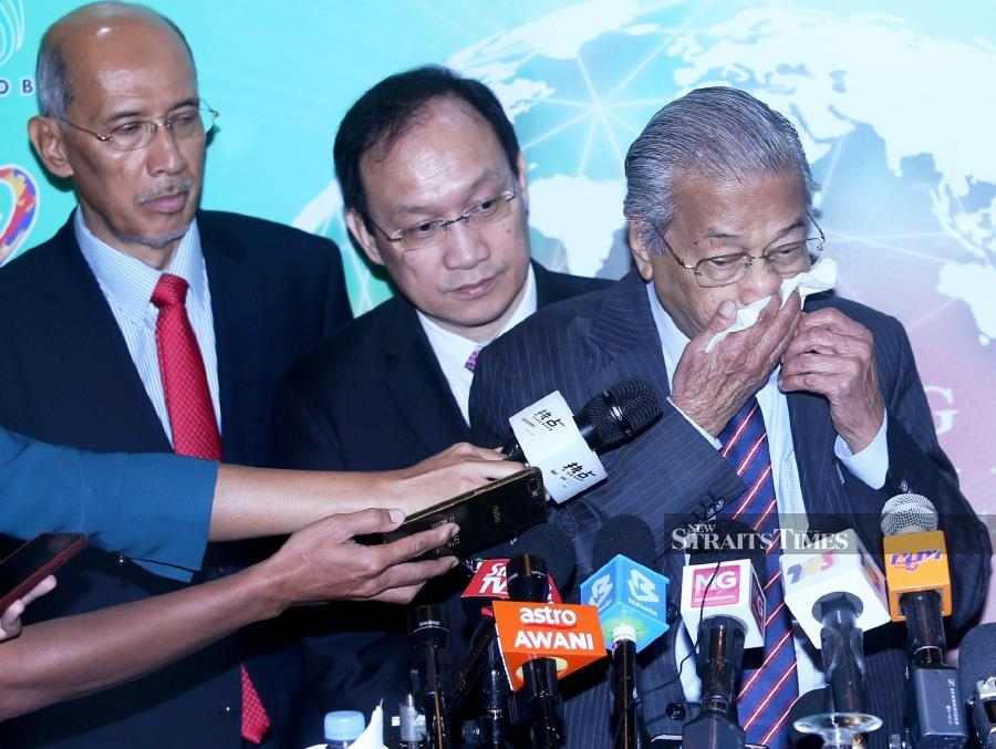 Dr M attends ulama conference after nosebleed scare