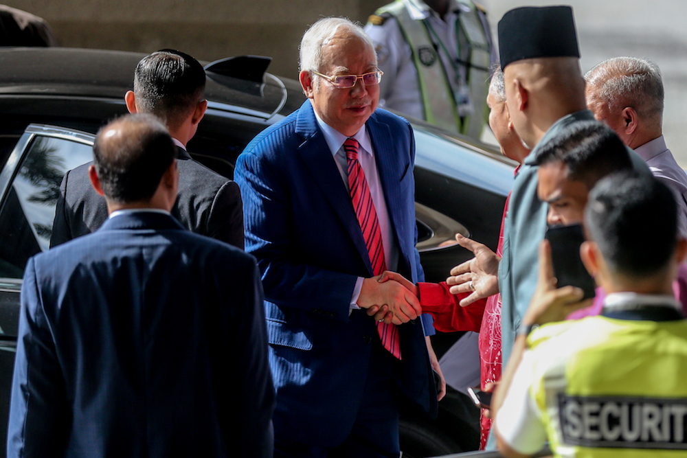Federal Court rules Pua can sue Najib for public office misfeasance