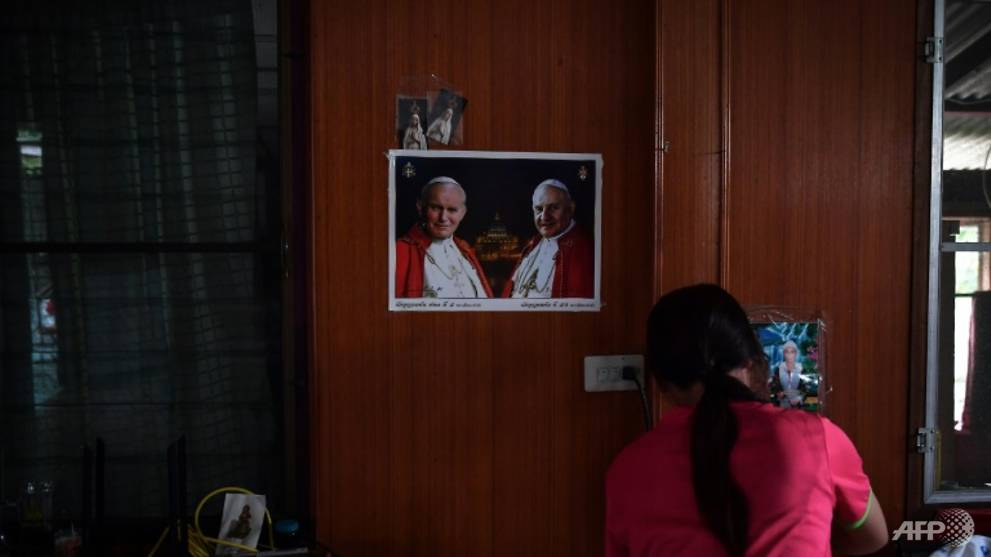 Persecuted Vietnamese Catholics 'honoured' to glimpse Pope Francis in Thailand