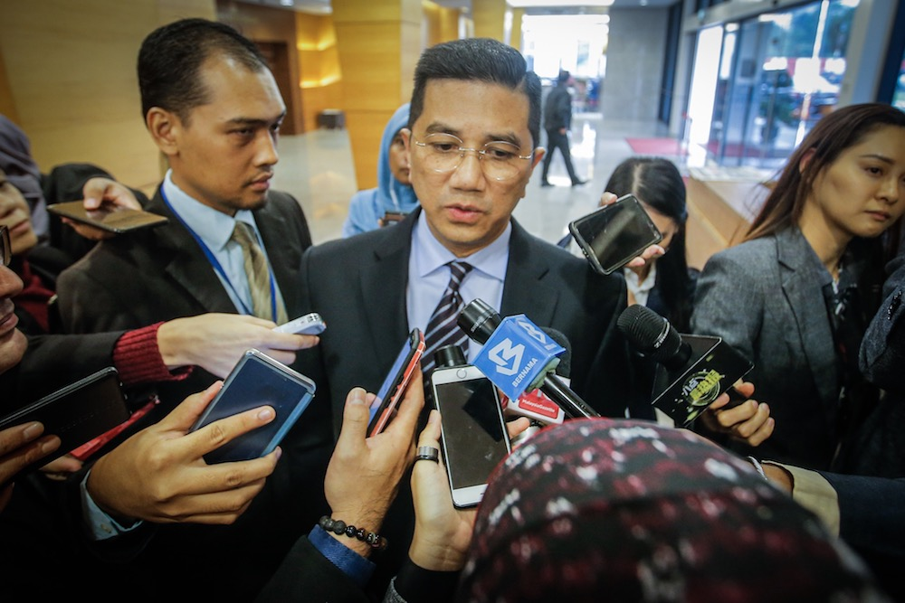 Azmin says not unusual to meet Umno MPs, will go to PKR meeting tomorrow if not busy with official duties