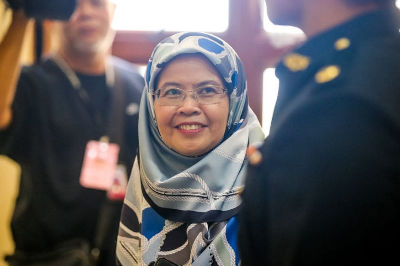 Former A-G defends Nor Salwani for slipping voice recorder into 1MDB meeting