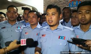 PKR Youth vice-chief calls for Hilman to be sacked, then softens stance