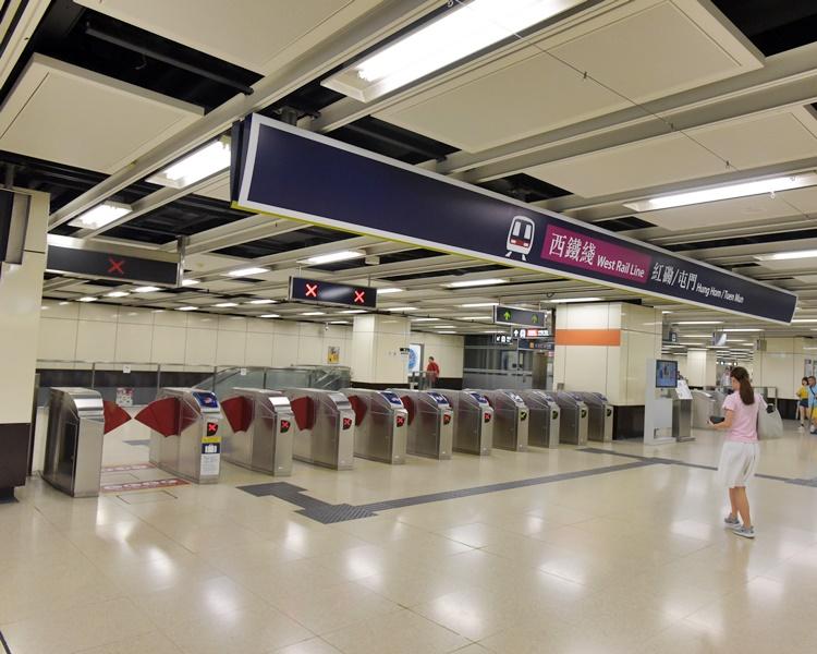 东铁红磡至旺角东站暂停服务 西铁红磡往返尖东站暂停服务