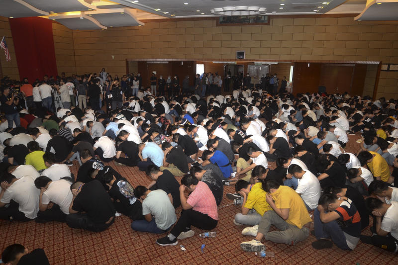 Malaysia detains 680 in China-based online scam syndicate