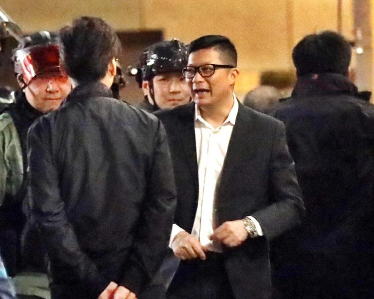 警务处处长邓炳强中午晤传媒