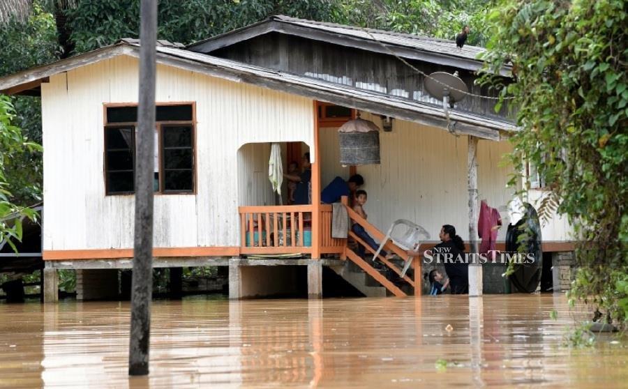 Floods worsen in Kemaman; 245 evacuated
