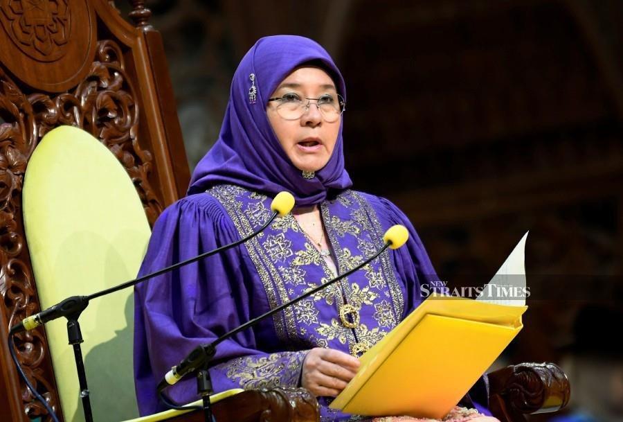 Queen calls on IIUM grads to be ambassadors of Islam