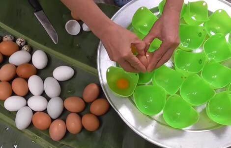 农村表叔煮了一锅鸡蛋,25分钟后端上桌,表婶吓得碗都扔了!