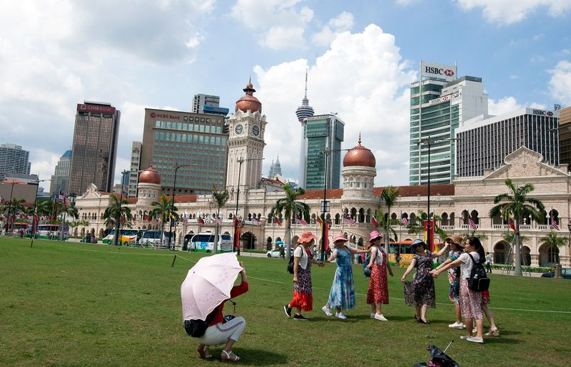 China's ambassador says will teach Chinese tourists to behave properly in Malaysia