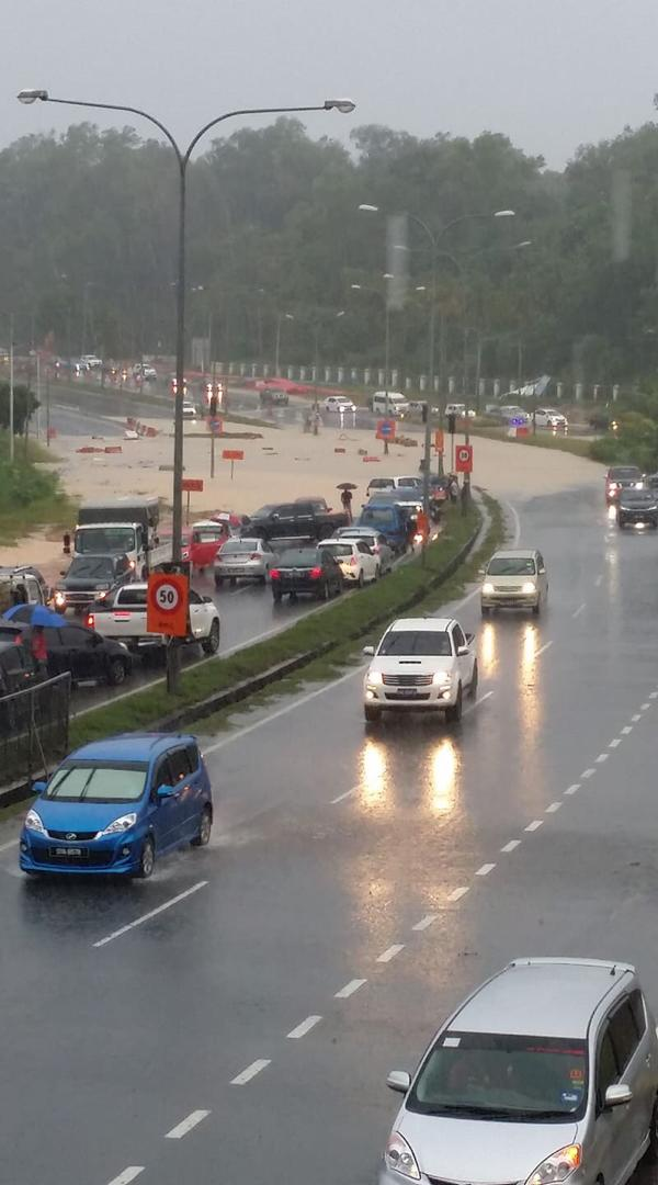 Heavy rain causes flash floods in several areas in KK