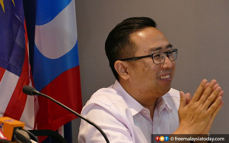 Quit if you can't toe party line, PKR veep tells unhappy leaders
