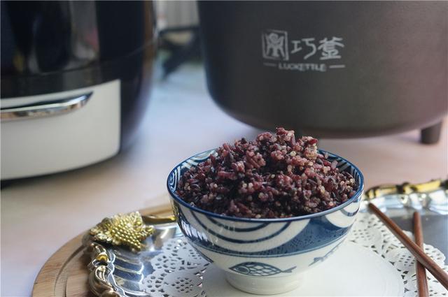 大米煮熟后,印度的是散状的,而中国的成胶团状,味道超级棒