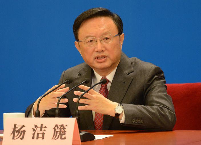 杨洁篪称中方坚决反对和强烈谴责通过涉港法案 促美阻成法