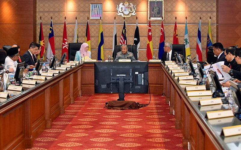 Dr M now says he's happy with his Cabinet