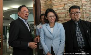Malacca PKR internal conflict resolved, says Anwar after reconciliation meet