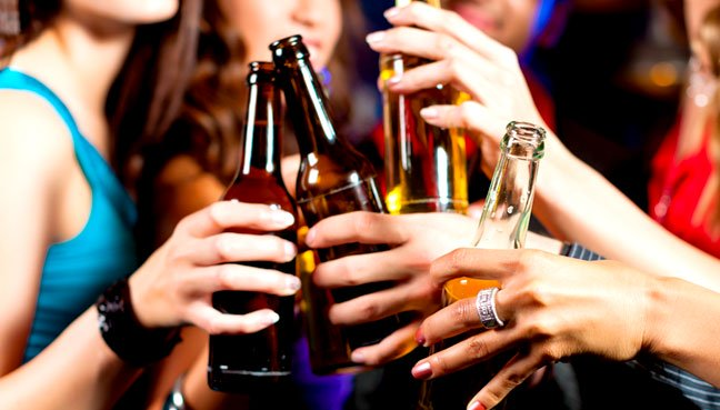 No plans for Act to ban drinking of alcohol in public places