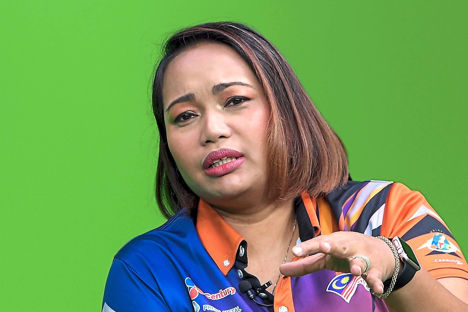 Shalin ready to bowl Nurul Huda over