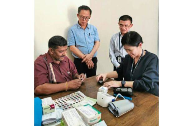 Hospital answers request for blood pressure, glucose monitoring meters