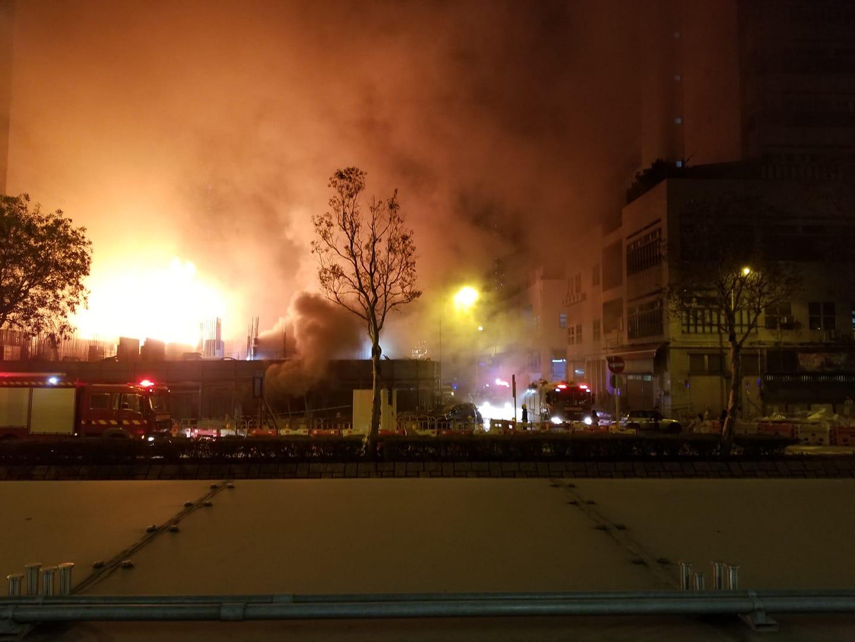 荃湾白田坝街地盘四级火 烧足七个钟大致救熄
