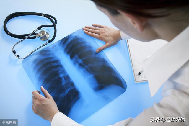 睡觉时出现这3种表现,或许是肺癌的征兆,别太晚知道