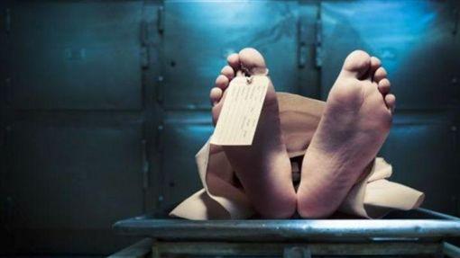 女子车祸离世 尸体放殡仪馆竟遭变态男性侵