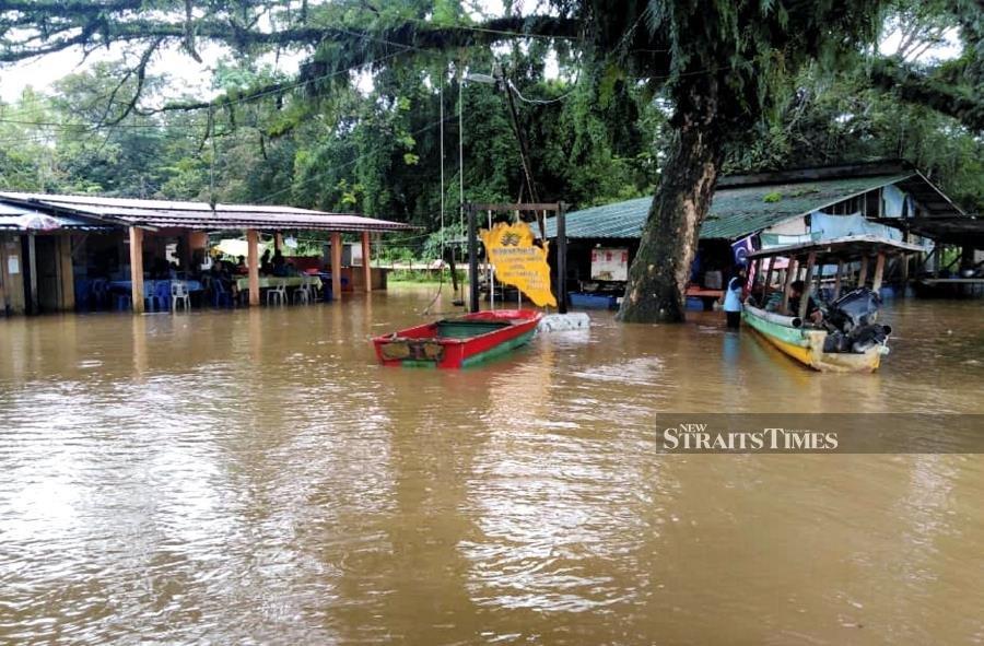 Three rivers in Pahang nearing alert level