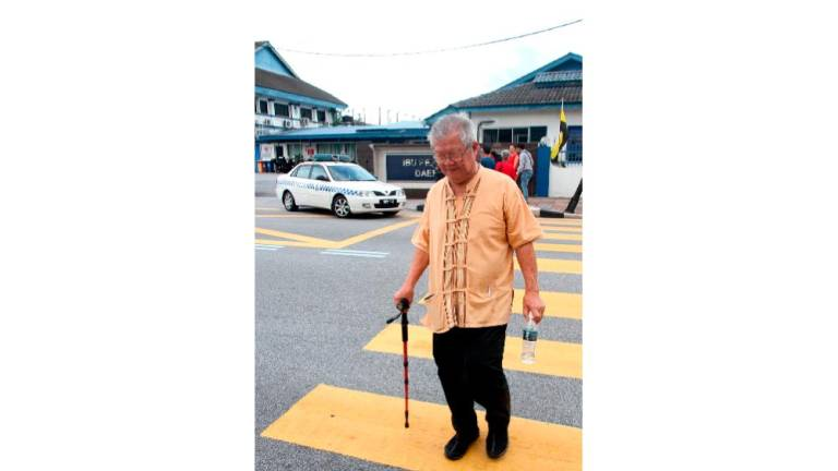 Cops question several individuals in probe over Chin Peng's ashes