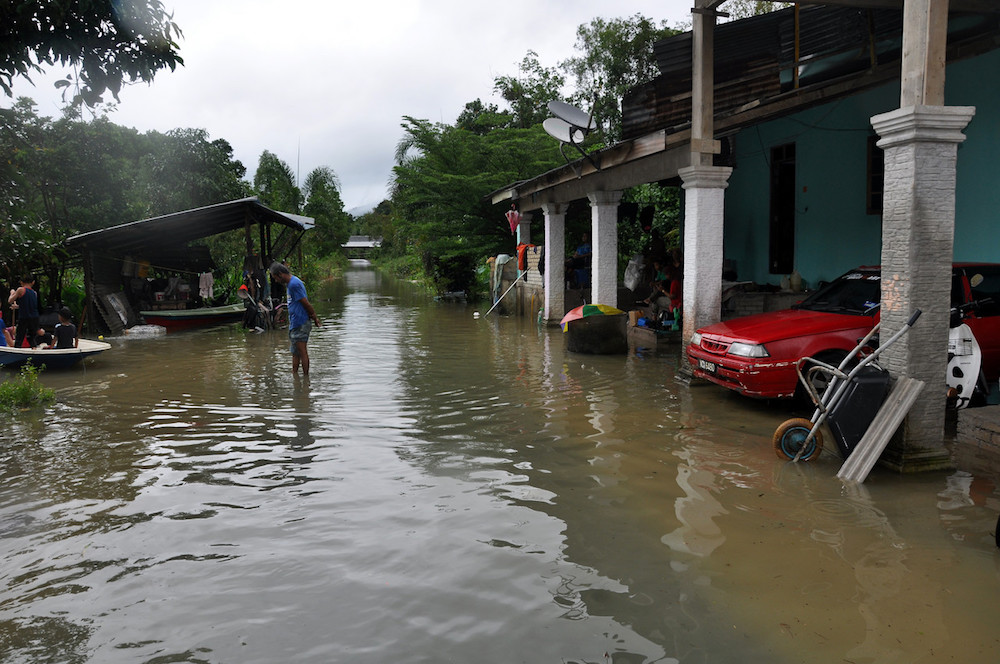 Terengganu floods: Number of evacuees down to 1,677 as at 8pm