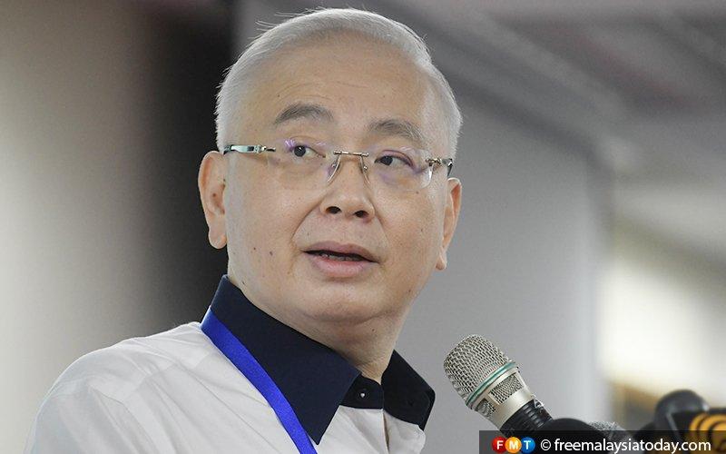 Stop acting like a bully, Wee tells Guan Eng