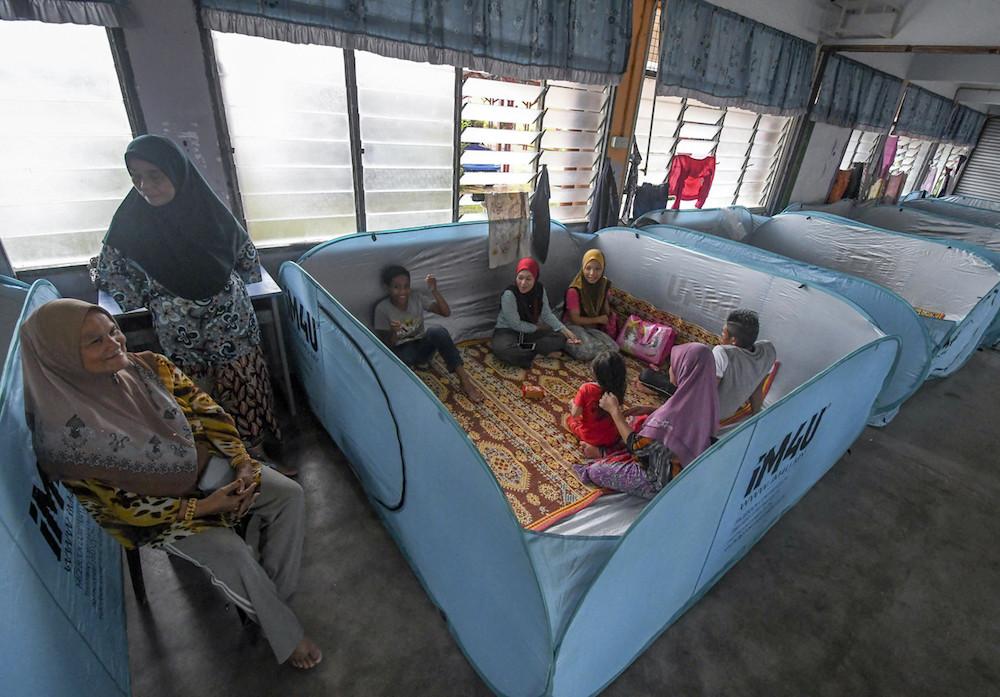 Number of flood evacuees in Kelantan drops to 66