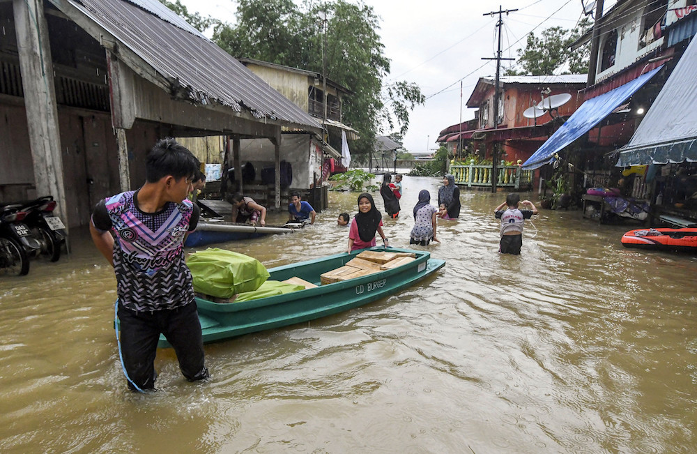 More than 5,600 seek shelter at Kelantan flood relief centres