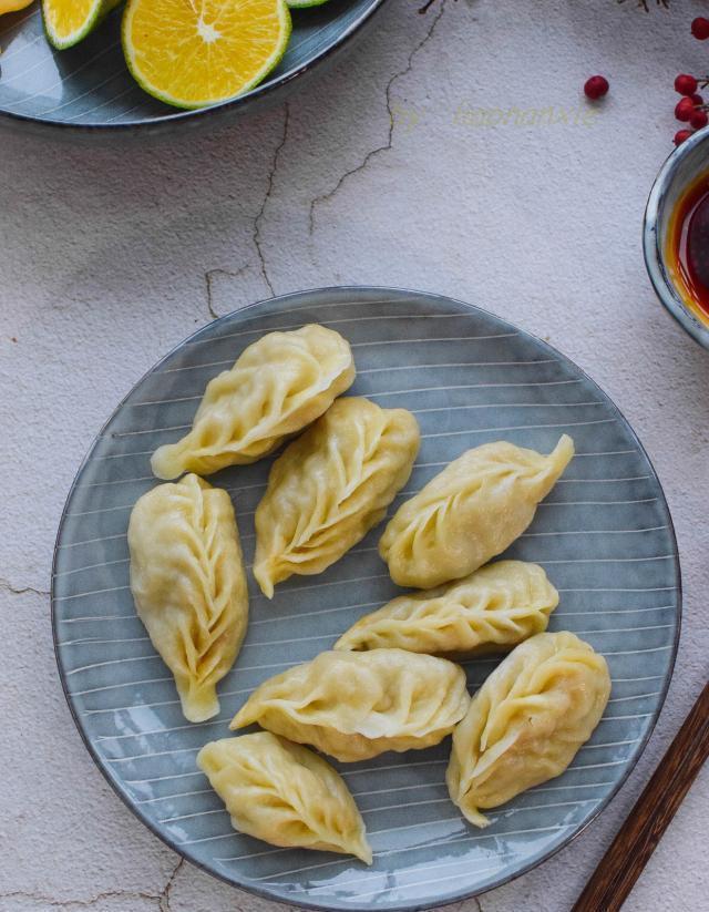 冬天吃饺子,就爱这种馅,鲜甜多汁,每周吃一次也不嫌多