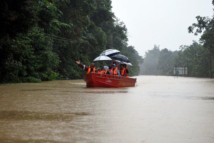 吉兰丹水灾首宗命案 7岁男童尸体被寻获