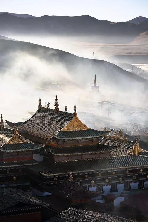 城市中的寺庙,是喧嚣之中的一抹清幽