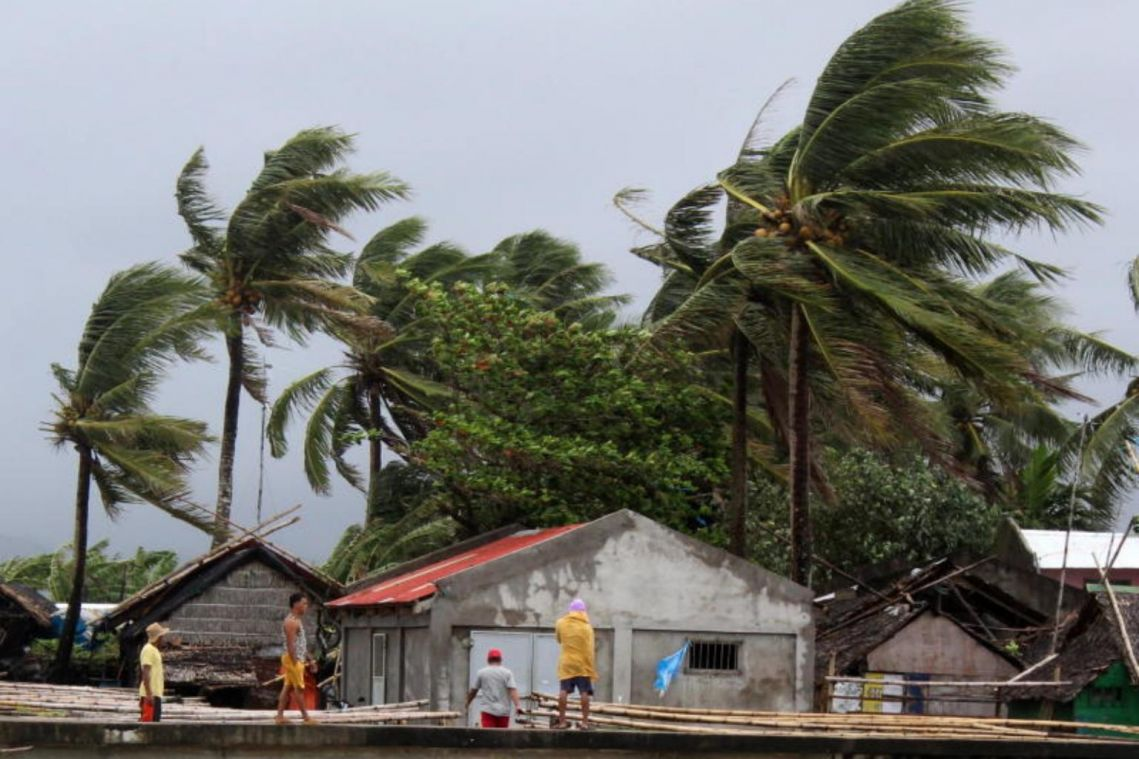 Typhoon Kammuri: 1 dead, thousands displaced as Manila international airport suspends operations