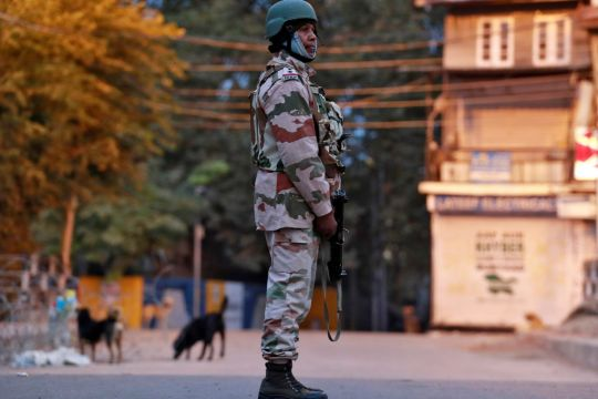 Indian border policeman guns down 5 colleagues
